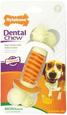Der Interpet Nylabone - Zahnpflege-Kauknochen wurde speziell entwickelt, um dem Hund bei der Zahnhygiene zu helfen. Beläge werden beim Kauen reduziert.